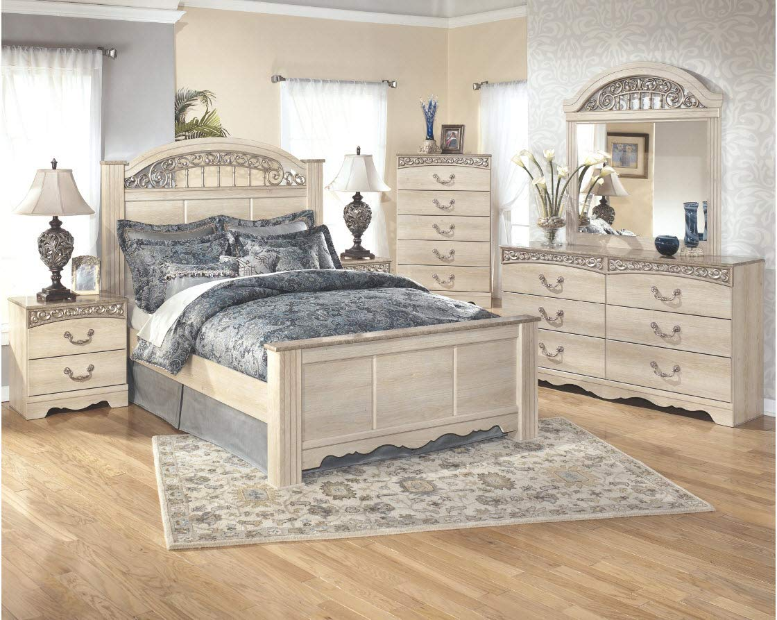 Ashley Furniture Signature Design - Catalina Chest of Drawers - 5 Drawers - Traditional - Replicated Chestnut Grain - Antique White