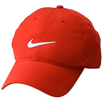 bd4f6739cd4 Nike Golf Tech Swoosh Cap (University Red White)  Amazon.ca  Sports    Outdoors