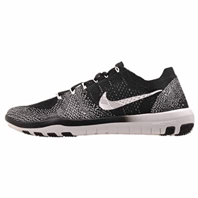 jeu rabais Nike Free Tr Flyknit Des Femmes De Formateurs De La Croix Marché De La Maison En Noir Et Blanc abordable express rapide 8KP71wIw