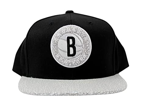 best service ec29c 7c93a Mitchell   Ness Brooklyn Nets NBA Cracked Iridescent Snapback Hat