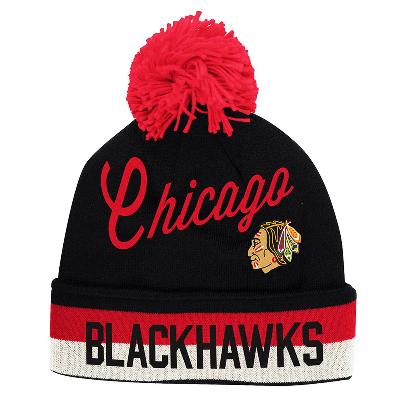 the best attitude f3f26 750b1 Amazon.com   Chicago Blackhawks CCM Throwback NHL Cuffed Pom Knit Beanie Hat    Cap   Clothing