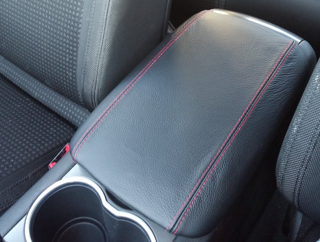 Black Leather-Red Thread RedlineGoods Front armrest Cover Compatible with Pontiac G8 2006-09