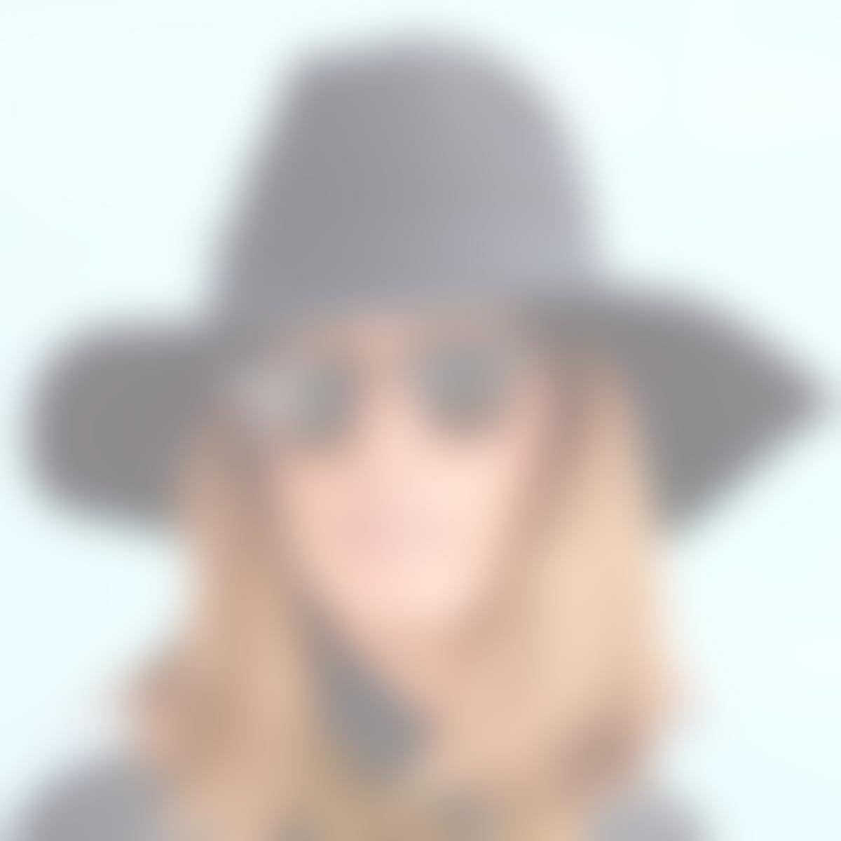 Amazon.com: RACEU ATELIER Black Queen Hat - Wide Brim Fedora Hat - 100% Wool Felt - Fedoras & Trilby Hats - for Women: Handmade
