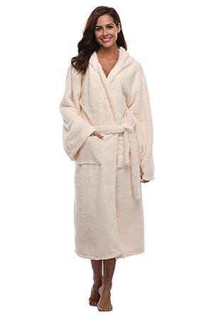 ef79e50a75 Women s Plush Robe Hooded Velvet Bathrobe Long Spa Robe Warm for Winter