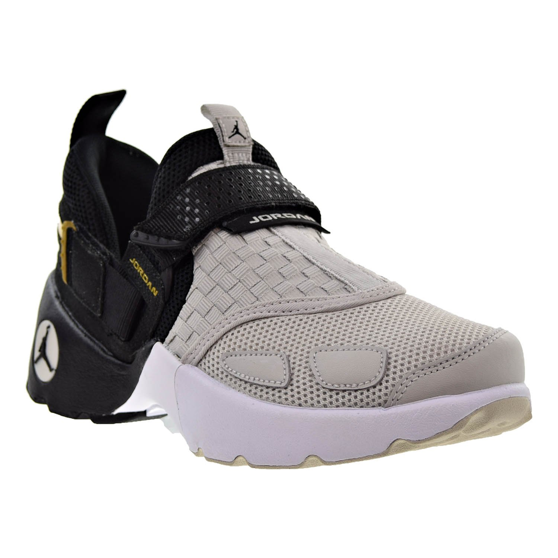 7ae47ed6436c7 Amazon.com | Jordan Trunner LX Big Kids Shoes Black/Light Bone/Metallic  Gold 897996-031 | Basketball