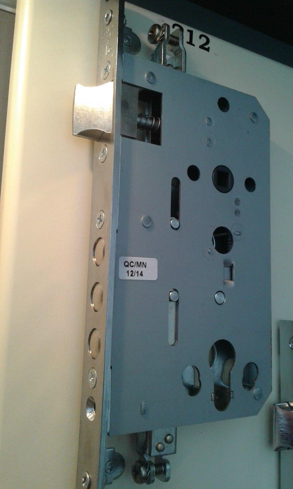 Mul-T-Lock MPL212 Security Lock Case 3 -Point Locking