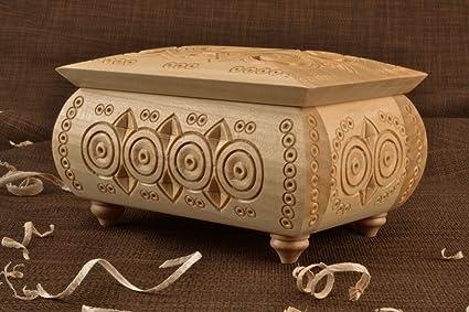 Caja de madera decorado hecho a mano