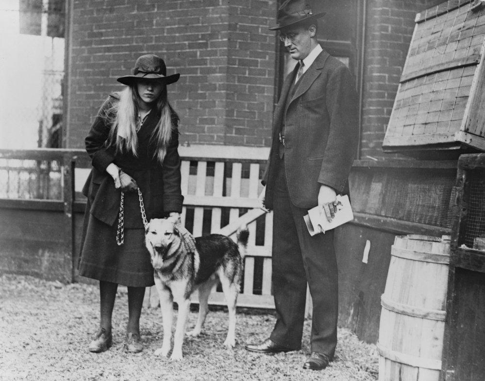 Franklin Roosevelt and Daughter at犬Show写真 24 x 36 Giclee Print LANT-3982-24x36 B017ZJMIQ2  24 x 36 Giclee Print
