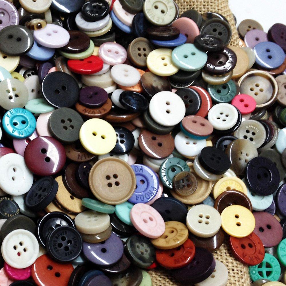 Scrapbook ideas for elderly - 2 Lbs Of Assorted Buttons