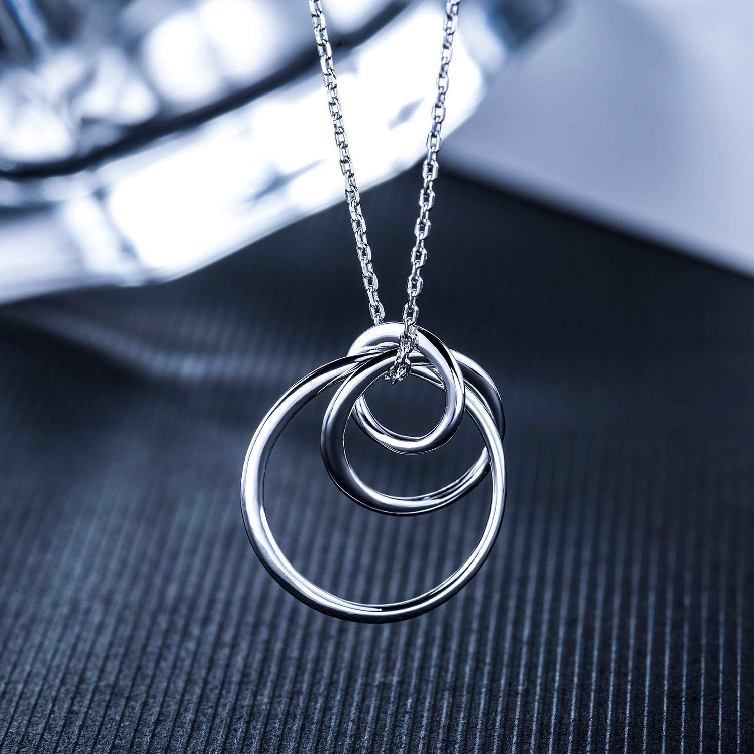 81c0965fe Amazon.com: Chiclove Sterling Silver 3 Circles Necklace - Generation  Necklace - Grandmother Mother Daughter Necklaces - Family Necklace -  Grandma Gift ...