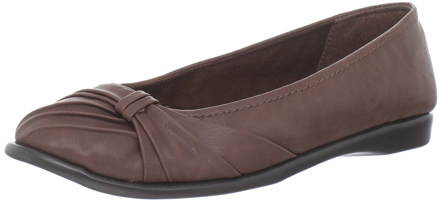Easy Street Women's Giddy Ballet Flat B007IP1LJE 8 B(M) US|Tan