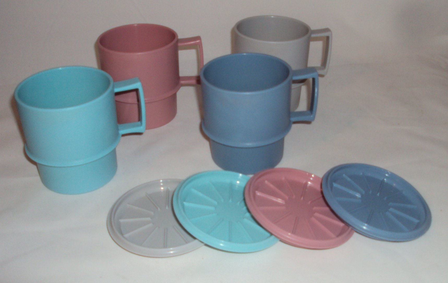 Tupperware Set of 4 Multi Mugs Coffee Cups with Coasters Warming Covers Country Pastels