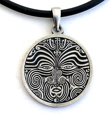 tatouage polynesien collier homme