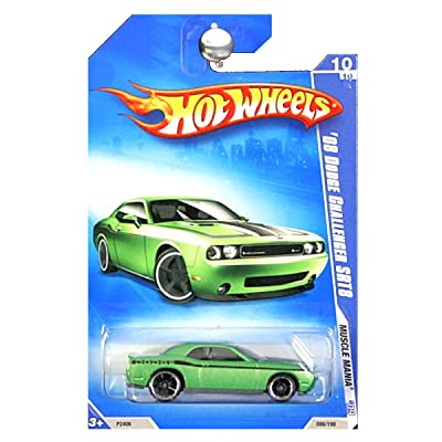 Hot Wheels 2009 Muscle Mania Green 2008 Dodge Challenger SRT8 1:64 Scale: Toys & Games