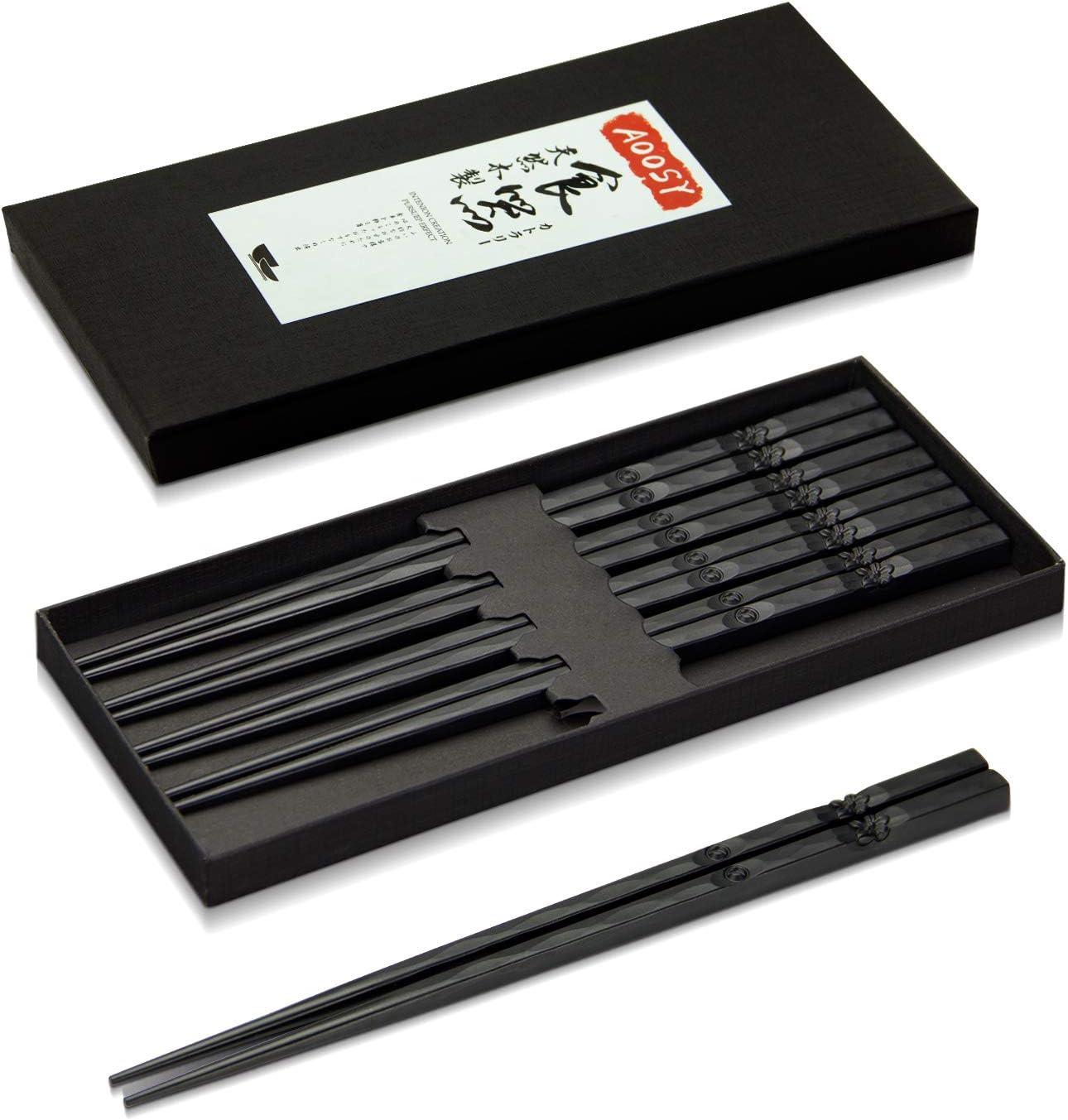 AOOSY 5 pares de palillos de fibra de vidrio aptos para lavavajillas, estilo japonés Hermoso patrón Palillos antideslizantes de sushi negro Palillos de aleación negra con caja de regalo