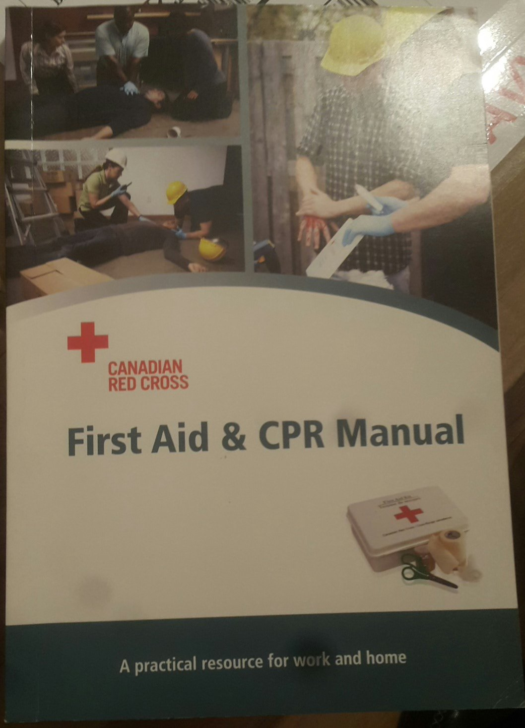 Canadian Red Cross First Aid & CPR Manual: A practical resource for work  and home: Amazon.ca: Canadian Red Cross: Books