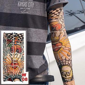 Tatuaje manga tatuaje en el brazo de una bolsa de tatuaje de ...