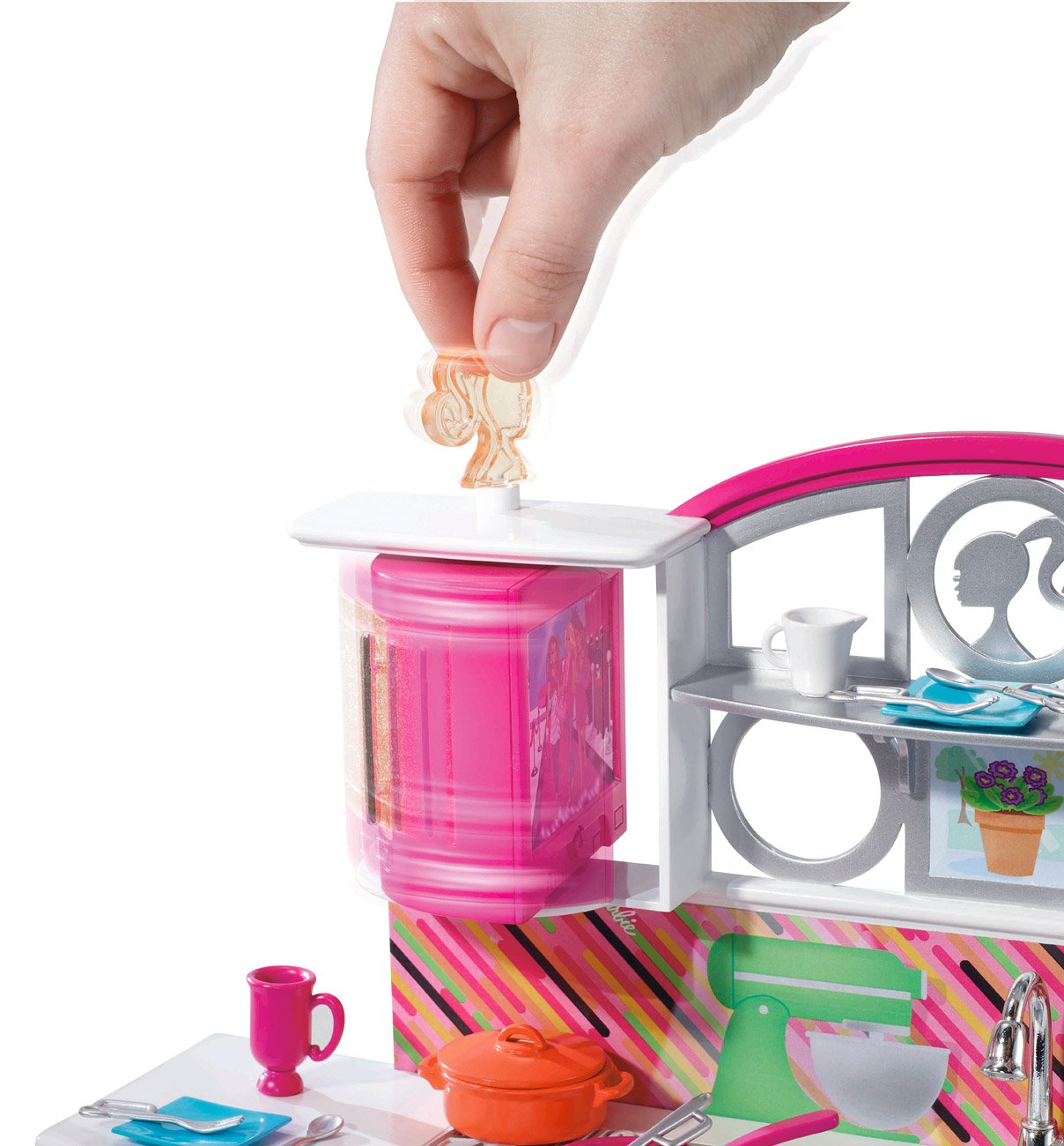 Amazon.com: Barbie Stovetop To Tabletop Deluxe Kitchen and Doll Set ...
