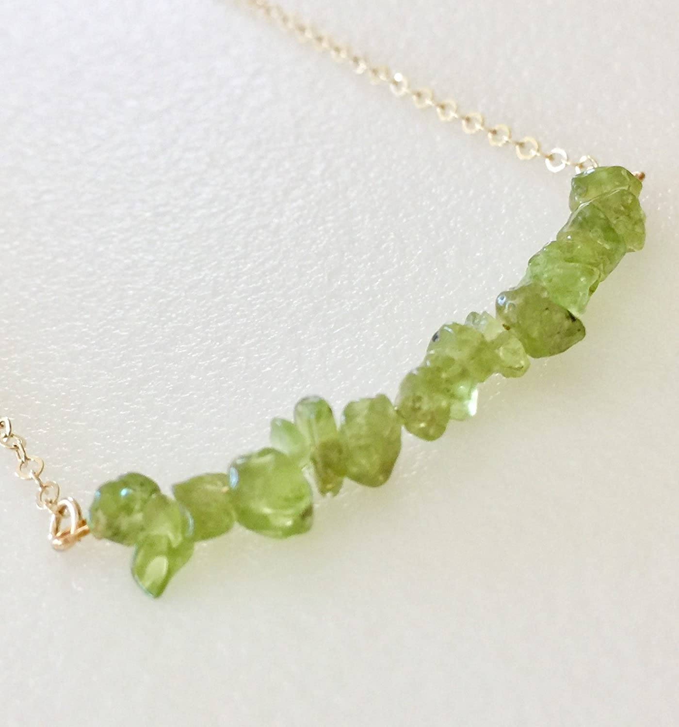 Boho Bar Necklace Dainty Bar Necklace Apple Green Stone Chip Necklace August Birthstone Peridot Bar Necklace Trendy Healing Crystal Gift