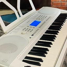 Amazon Co Jp Onetone ワントーン 電子キーボード 61鍵盤 初心者セット ピッチベンド搭載 日本語表記 Otk 61s Wh 譜面立て 電源アダプター スタンド 椅子 ヘッドフォン付き 楽器