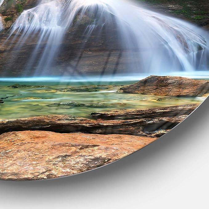 38 x 38 Designart MT8737-C38 Djur Djur Waterfall Landscape Photography Circle Wall Art Green/White
