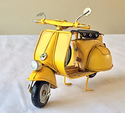 Lovely large vintage retro metal Scooter Vespa Mod Bike Model 18cm long -  great gift ornament for a shelf or a desk! (Yellow)