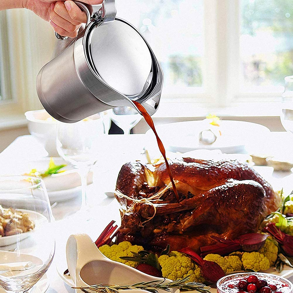 Stainless Steel Gravy Boat Double Insulated Sauce Jug with Hinged Lid Gravy Pitcher Gravy Boat With Ladle and Saucer for Gravy Cream