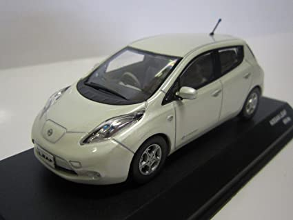 Amazon.com: J-Collection DJC 1/43 Nissan Leaf (Color Blanco ...