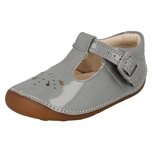 30d35b886fe967 Clarks Infant Girls T-Bar Cruisers Little Weave - Grey Patent - UK Size 5F  - EU Size 21 - US Size 5.5M  Amazon.co.uk  Shoes   Bags