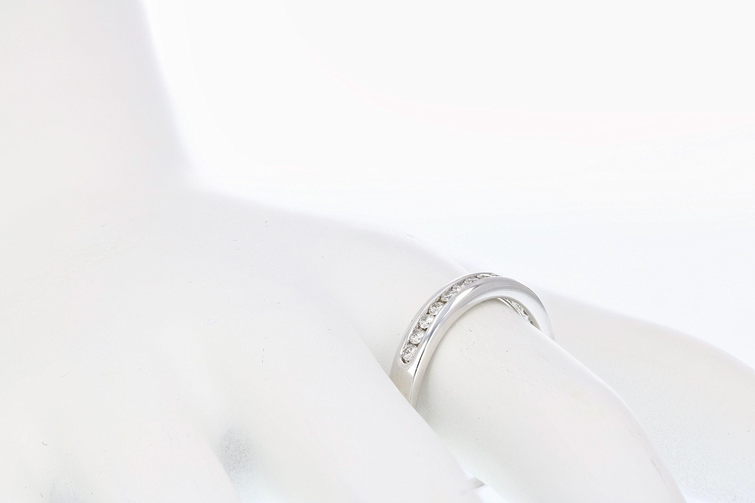 1/5 ctw Classic Diamond Wedding Band in 10K White Gold In Size 7 by Vir Jewels