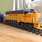 NEW RAY UNION PACIFIC TRAIN ENGINE WITH SOUND AND LIGHTS 1//32 01063 by New Ray