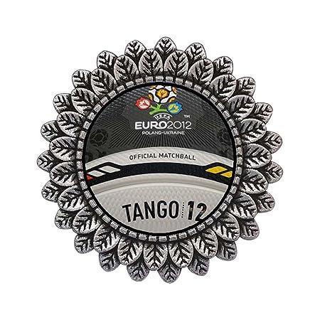 Estilo antiguo de plata de la UEFA Euro Tango 12 balón oficial con ...