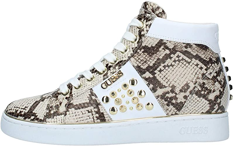Guess Sneakers Alte Donna Pelle Beige Effetto Pitonato con Borchie in Acciaio Dorato. Fondo in Gomma Bianca Antiscivolo.