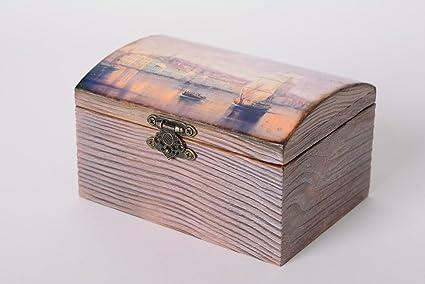 Caja de madera hecha a mano para joyas en tecnica de decoupage rectangular