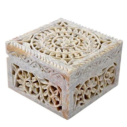 Caja decorativa de almacenamiento de esteatita natural con diseño de flores talladas. De Hashcart.