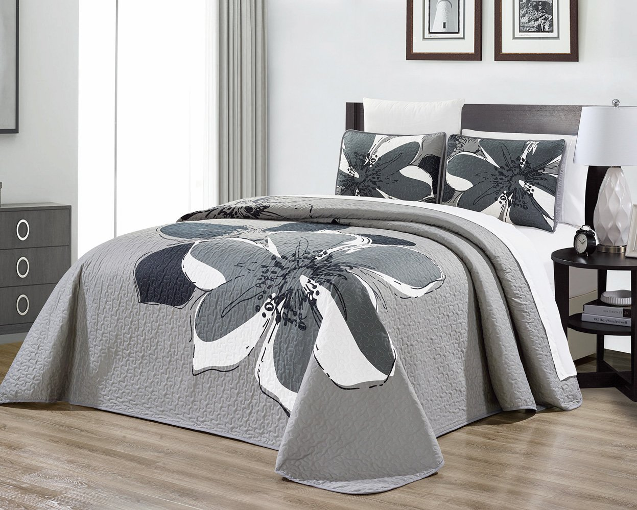 6-Piece Nova Floral Medallion Bedspread Coverlet Set with Fitted Sheet