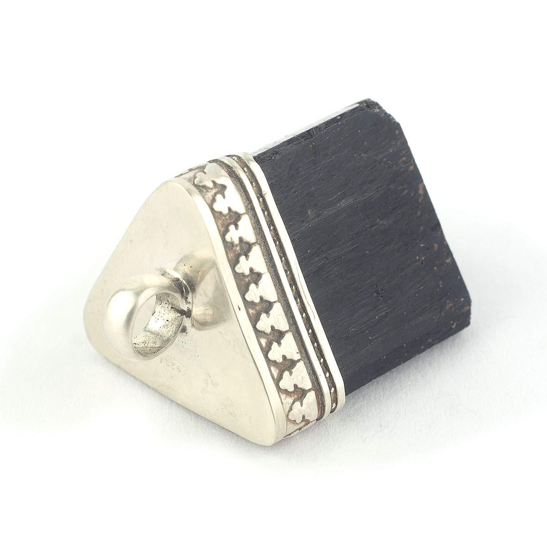 Colgante cristal de turmalina negra en plata de ley y tamaño de 21X17x14 mm