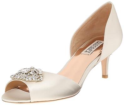 fc5ee247e6 Amazon.com: Badgley Mischka Women's Petrina Dress Pump: Shoes