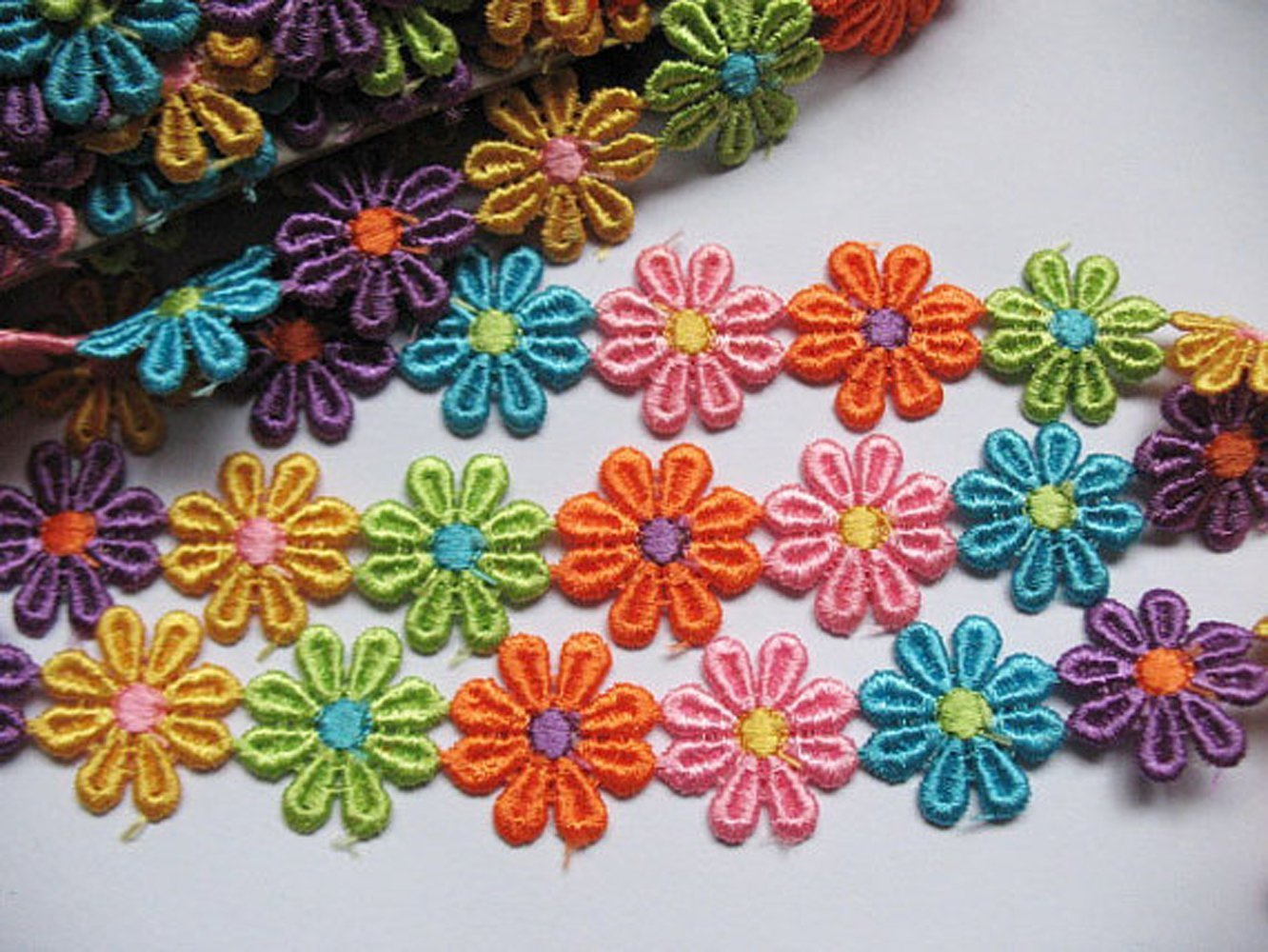 YYCRAFT Pack of 3y Colorful Venise Lace 1 1//8 Flower Trim