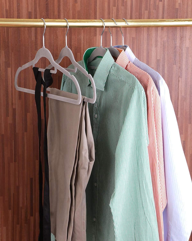 antid/érapant NoBrand 50 pi/èces de cintres en Velours Premium cintres pour Chemise Veste Transporteur Gris Costume Robe