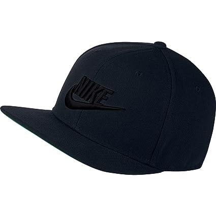 ecf6133c1ec0d Amazon.com  NIKE Mens Pro Futura Snapback Hat Black Pine Green White  891284-010