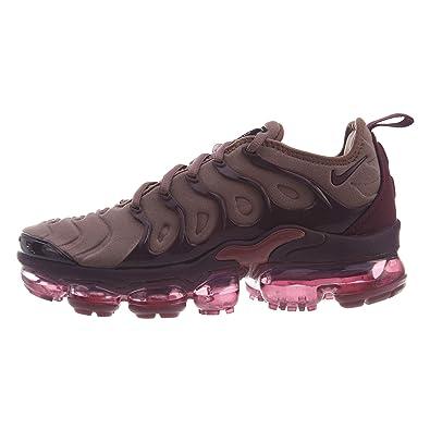 half off 44047 b3405 Amazon.com | Nike Air Vapourmax Plus Womens | Road Running