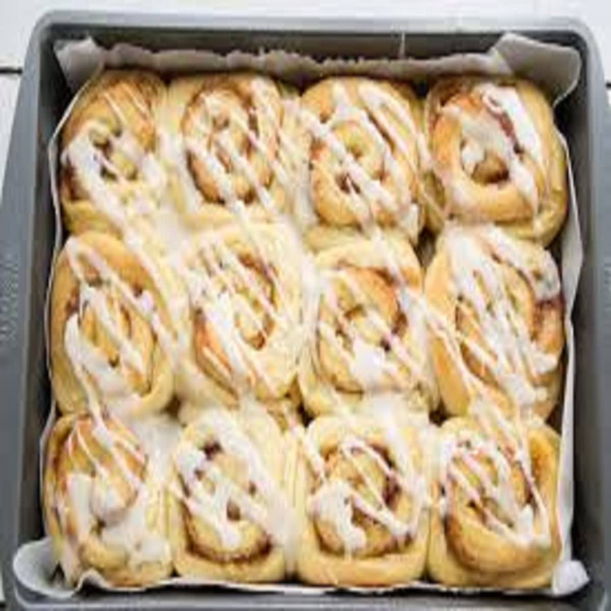 WARM CINNAMON BUN FRAGRANCE OIL - 4 OZ - FOR CANDLE & SOAP MAKING BY VIRGINIA CANDLE SUPPLY - FREE S&H IN USA