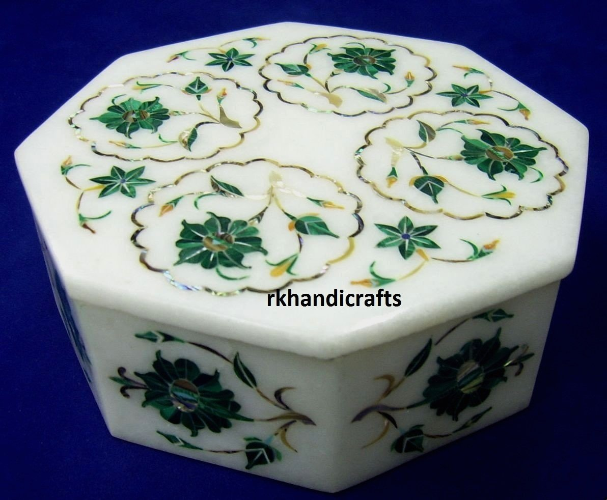 5'' Octagon White Marble Malachite Flower Art Trinket Cum Multi Use Box Inlay Fine Work