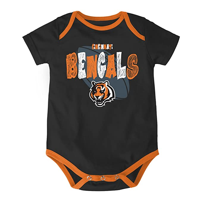 Outerstuff NFL Infant Girls Chicago Bears Assorted 3 Pack Creeper Set