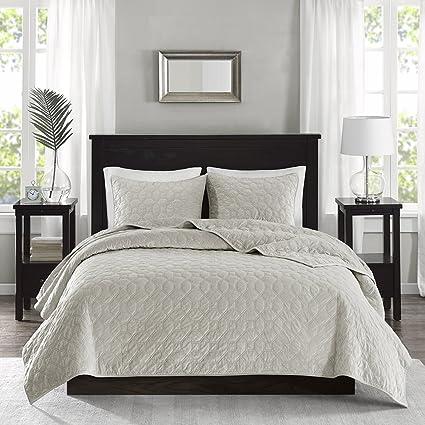madison park harper velvet fullqueen size quilt bedding set ivory geometric - Velvet Bedding