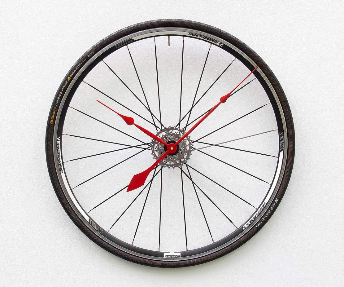 Amazon Com Bike Wheel Clock Unique Large Wall Clock Bike Clock
