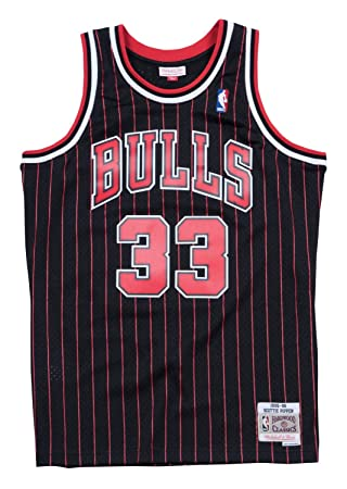 the latest c3644 d122a Mitchell   Ness Chicago Bulls Scottie Pippen  95- 96 Swingman Jersey (Black