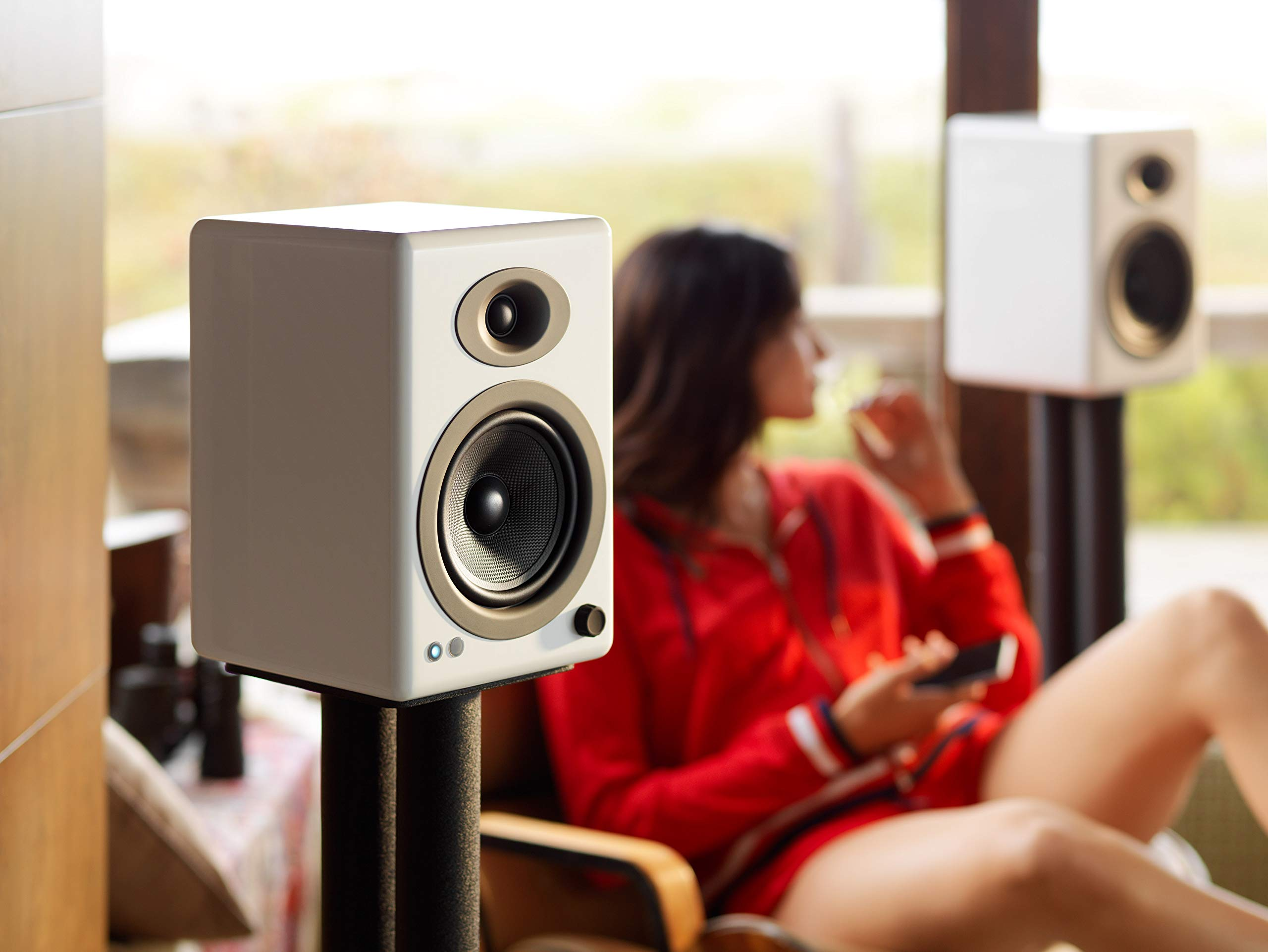 Audioengine A5+ 150W Wireless Powered Bookshelf Speakers   Built-in Analog Amplifier   aptX HD Bluetooth 24 Bit DAC, RCA and 3.5mm inputs   Solid Aluminium Remote Control   Cables Included by Audioengine (Image #5)