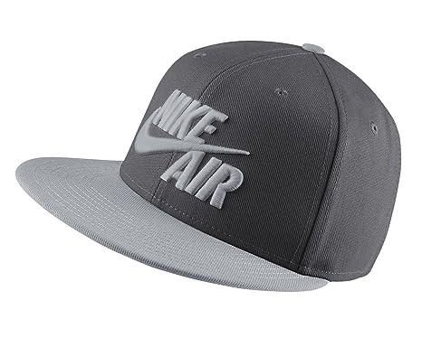 6875cbc464c0c Nike Mens Air True Snapback Hat Dark Grey Wolf Grey  Amazon.in  Clothing    Accessories